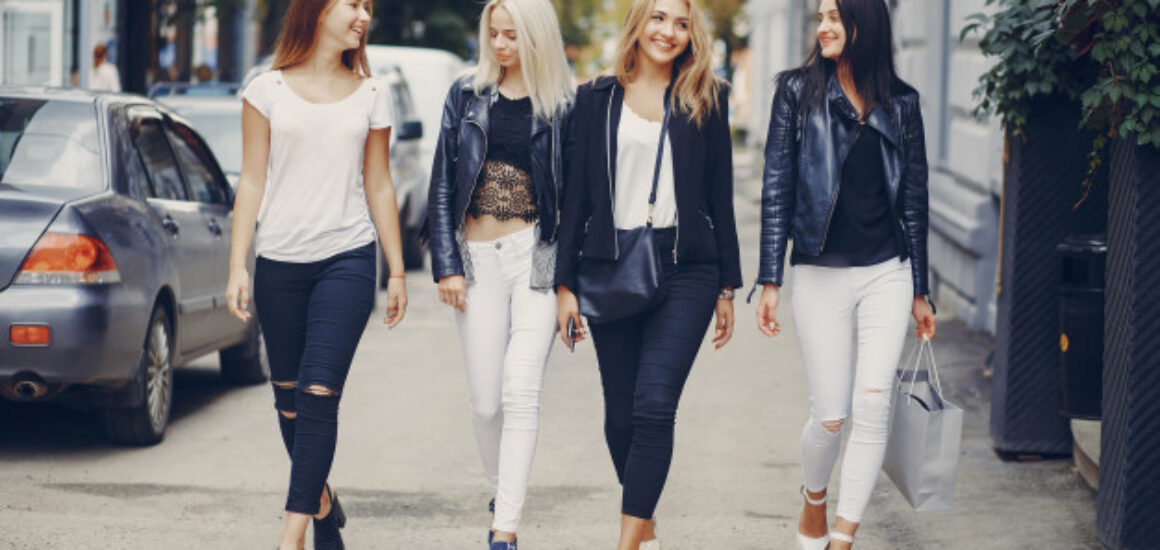 stylish-girls_1157-8445
